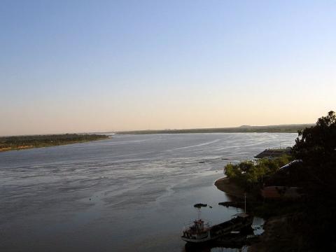 rio-paraguay-en-asuncion.jpg